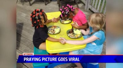 Mom Is Away For 30 Seconds And Finds Her Kids Aren't Eating — Instead, They're Praying