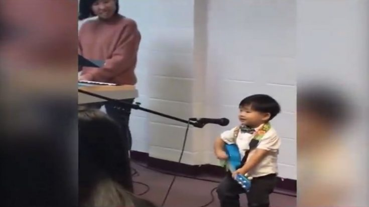 "Little Boy Worships The Lord by Singing a Very Cute Version of ""10,000 Reasons"" 