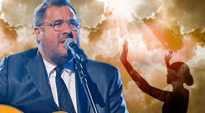"Vince Gill Gives A Stunning Performance Of ""Give Me Jesus"" (LIVE)"