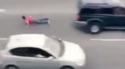 God Saves Man From Dying In High Speed Traffic (CAUGHT ON CAMERA)