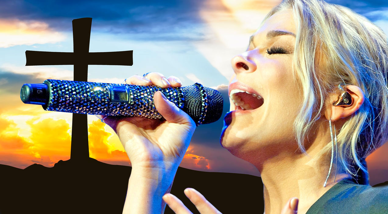 """""""Amazing Grace"""" Sung By LeAnn Rimes Sings Will Leave You With Goosebumps   I Love Being Christian"""