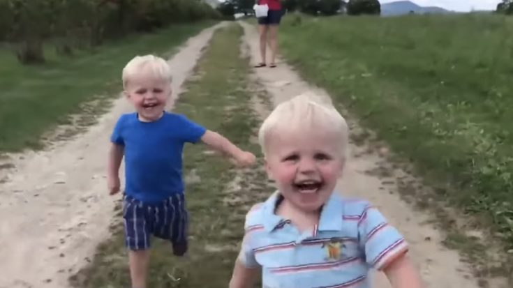 The Most Hilarious & Adorable Video You'll See All Day! – Twin Baby Videos   I Love Being Christian Videos
