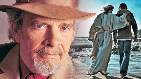 "Merle Haggard's Heartfelt Rendition of ""What a Friend We Have in Jesus"" 