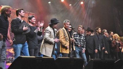 Country Superstars Join Randy Travis For Gospel Medley That Will Leave You In Tears