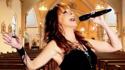 Reba McEntire Brings Us To Church In Heavenly Song 'Oh, How I Love Jesus' | I Love Being Christian Videos