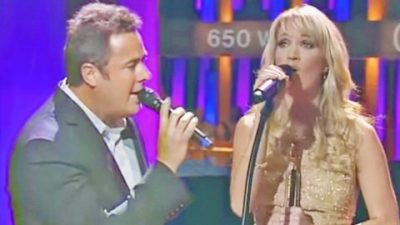 Vince Gill Joins Carrie Underwood For Dazzling Performance Of 'Jesus Take The Wheel'